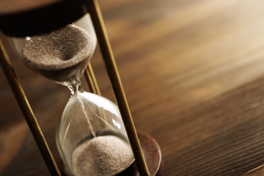 hour-glass-timer-11068815.jpg